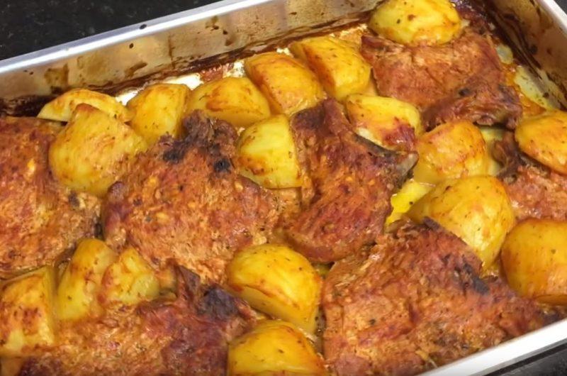 Receita de Bisteca Suína com batatas