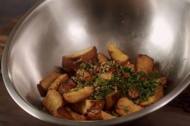 Salsinha e paprica na batata