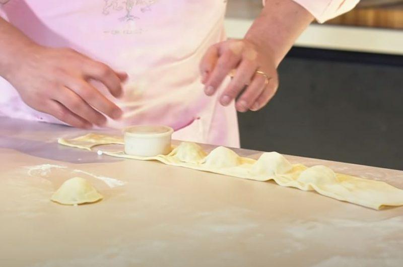 cortando ravioli