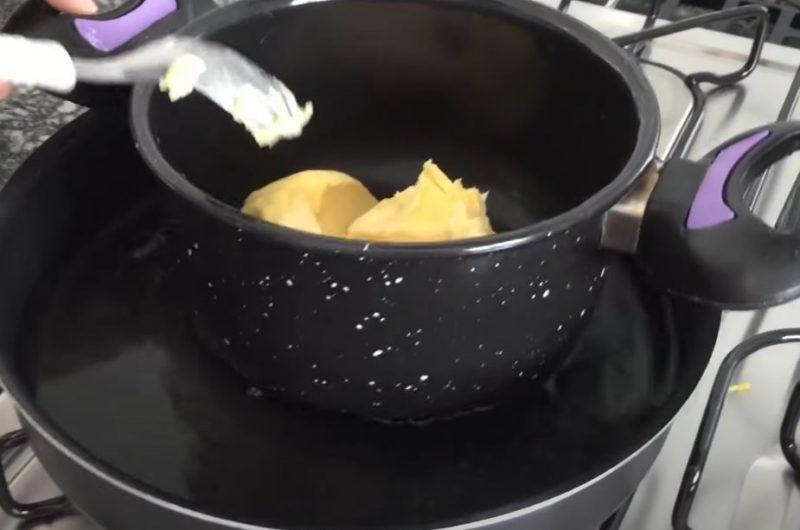 Manteiga em banho maria