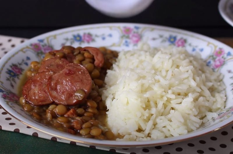 Prato de lentilha com arroz