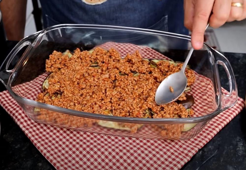 carne moída e berinjela