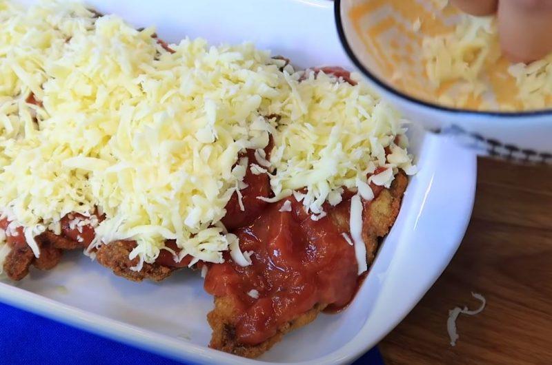 Bifes molho e queijo