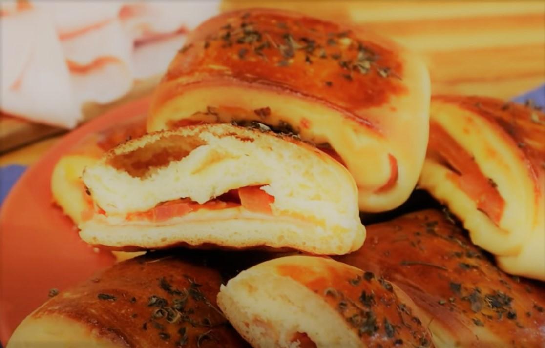 Bauru (enroladinho de presunto e queijo)