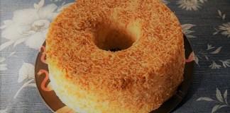 bolo de tapioca com coco