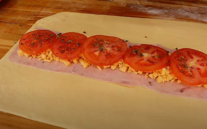 orégano, tomate e recheio