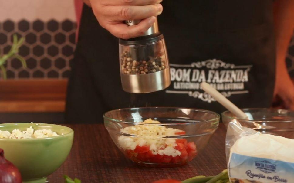 adicionando pimenta